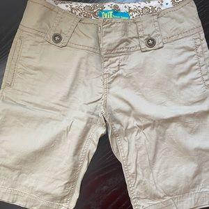 TYTE Tan Shorts women's size 6